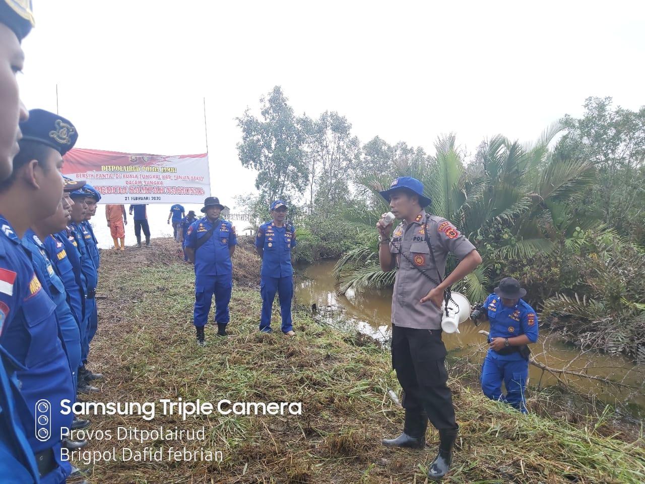Ini Yang Dilaksanakan Oleh Dirpolairud Polda Jambi Beserta Personil Di Kabupaten Tanjab Barat Dalam Memperingati Hari Peduli Sampah Nasional