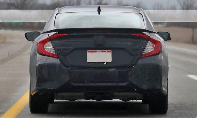 2017 Honda Civic Si Sedan with Four Doors and Medium Spice Level