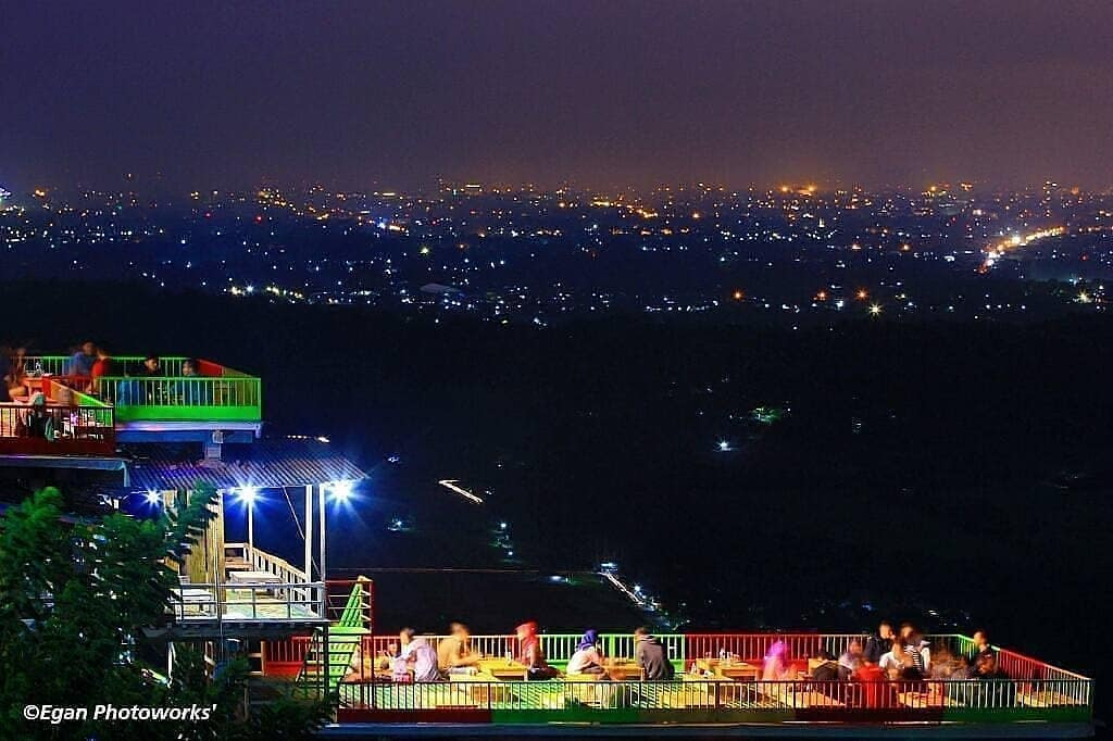 Wisata Bukit Bintang Jogja Tempat Keren Untuk Menikmati Malam Lali Dolan