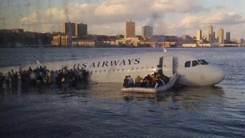 Caida-avion-Rio-Hudson-Twitter