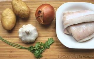 Merluza al horno patatas panaderas receta ingredientes.