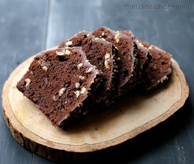 cake , pépites chocolat/praliné , noisettes , cacao