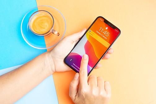 تشير المزيد من التسريبات إلى أن جهاز iPhone التالي قد يكون مزودًا بشاشة تعمل دائمًا