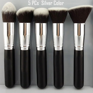 www.dresslink.com/cosmetic-set-eyeshadow-foundation-wood-pro-make-up-brush-p-11078.html?utm_source=blog&utm_medium=cpc&utm_campaign=Carly177