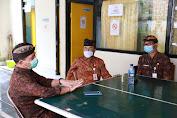 Percepat Program Padat Karya dan WUB, Bupati Suwirta Kunjungi Disnaker Klungkung.