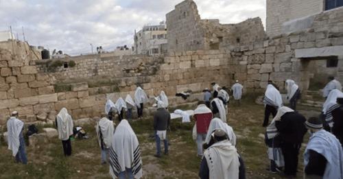 Judeus retornam a antiga cidade sacerdotal para celebrar a Páscoa