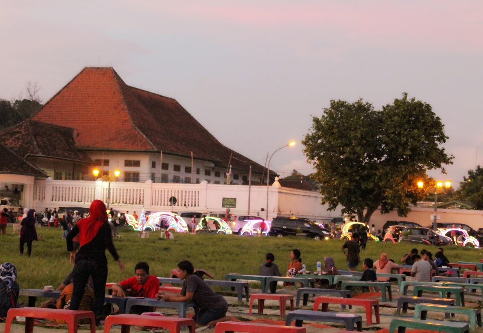 Pemandangan Indah Di Alun-alun Kidul Yogyakarta