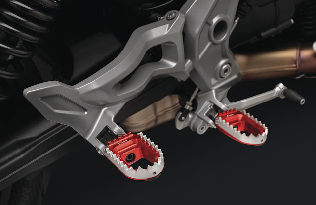 Rizoma-Moto-Guzzi-V85TT-1