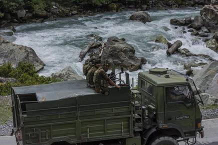 एलएसी गतिरोध |  राजनाथ ने स्पष्ट रूप से चीनी समकक्ष को भारत की स्थिति बताई