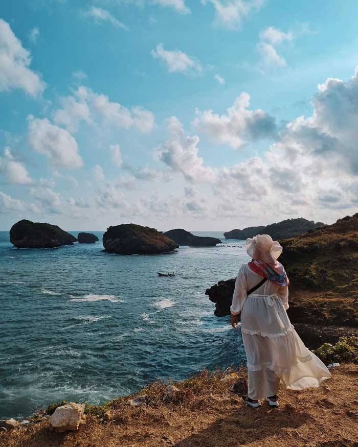 Fasilitas Wisata Pantai Kasap di Pacitan