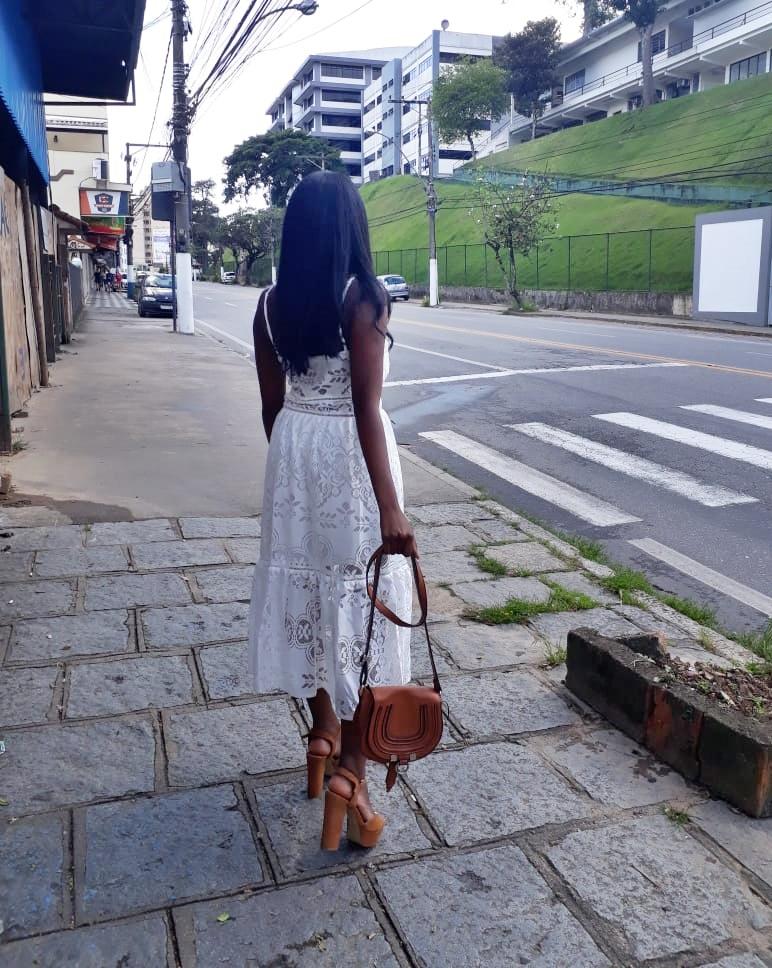 #PriVeste: Vestido midi rendado