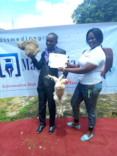 Somadina Nwabuwa Gets Yam Tuber, Live Chicken As COOU Best Graduating Student 1