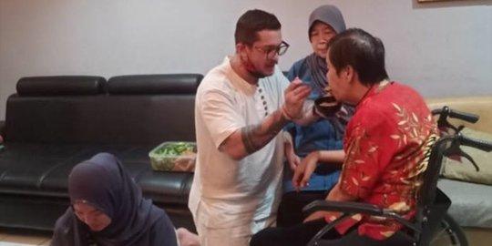 Cerita Anton Medan yang Disyahadatkan Zainuddin MZ
