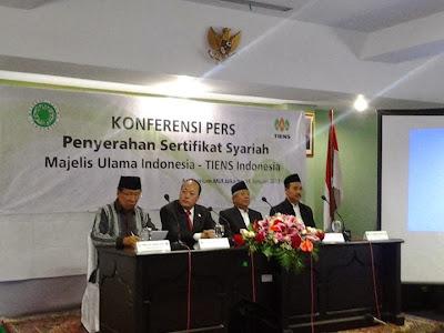 Konferensi Pers Penyerahan Sertifikat Syariah Tiens