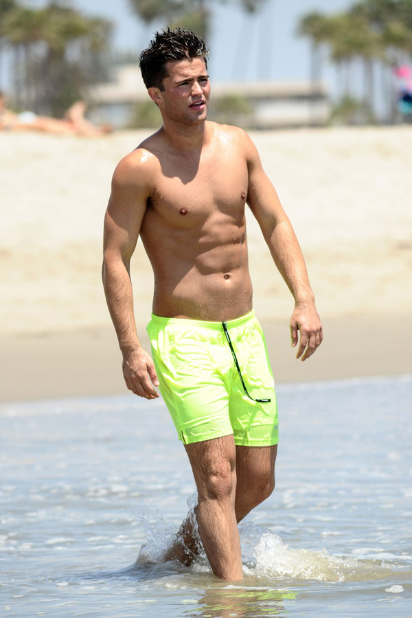 Spencer Boldman Takes A Dip In The Ocean  Oh yes I am
