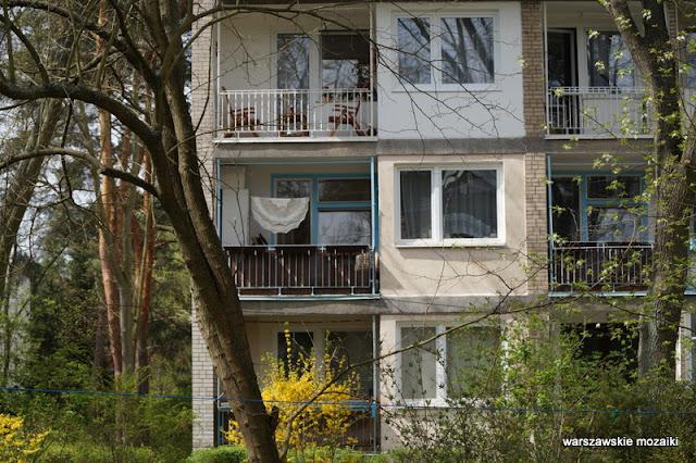 balkon Warszawa Warsaw warszawskie osiedla Wawer modernizm modernism Wacław Kłyszewski Tygrysy Jerzy Mokrzyński Eugeniusz Wierzbicki lata 60 architektura architecture IBJ Instytut Badań Jądrowych
