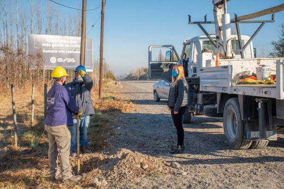 1.000 metros de línea electrica en barrio El Petroleo