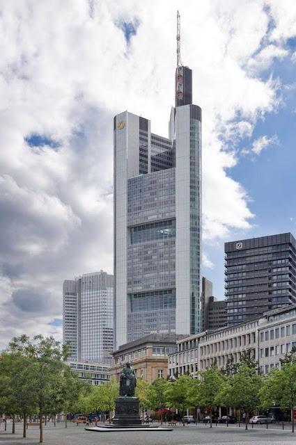 Tháp ngân hàng Commerzbank