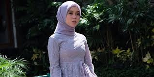 Tutorial Hijab Pashmina Segi Empat Simple Untuk Remaja Ala Lesti Kejora 1001 Cara Memakai Hijab Segi Empat 2021