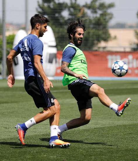calidad confiable Productos nueva alta calidad On Pitch: Real Madrid Stars Show Off Nike Time to Shine ...