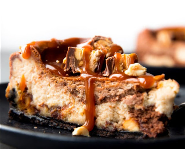 Snickers Cheesecake #desserts #cake