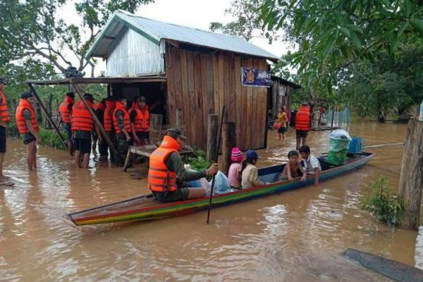 Laos dam collapse: 25,000 Cambodians evacuated