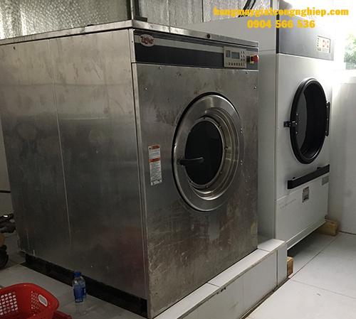 Công suất máy sấy công nghiệp phù hợp cho tiệm giặt là mới mở