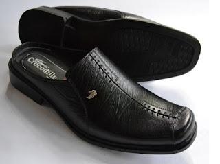 Gambar sepatu casual kulit
