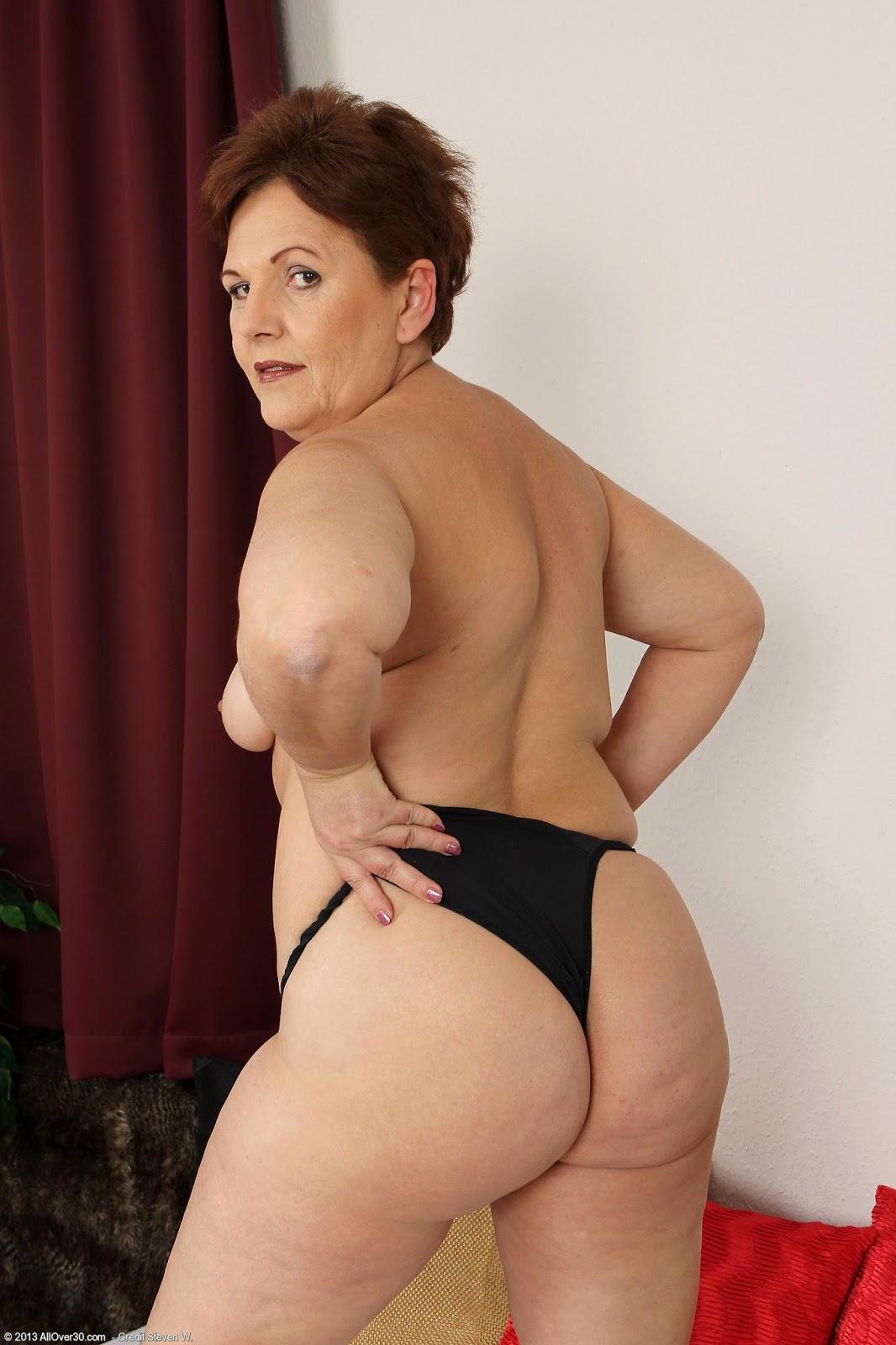Nude Photos Of Mature Ladies