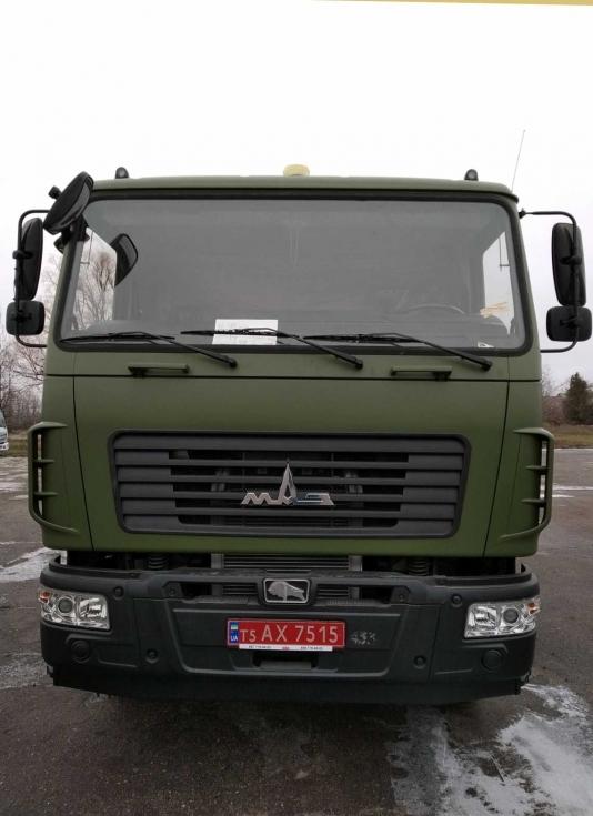 ЗСУ отримали паркетний паливозаправник на базі МАЗа