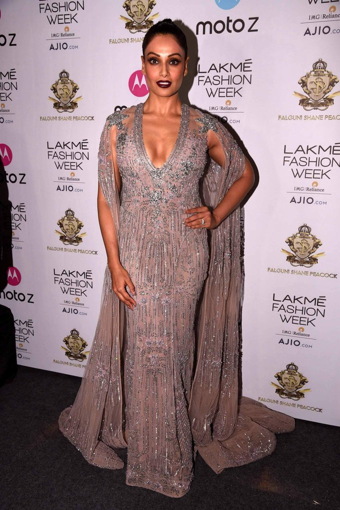 Bipasha Basu Hot Stills At Lakme Fashion Week 2017