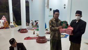 Berbagi Kitab suci Al-Qur'an untuk Musholla dan TPW yang minim Al-Qur'an