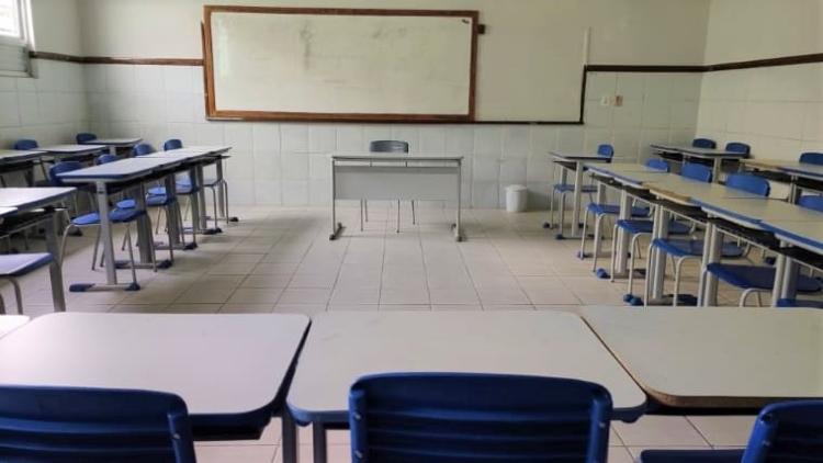 Governo prorroga decreto que proíbe eventos; aulas remotas começam segunda-feira