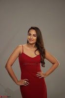 Sonakshi Sinha stunning Red Gown at Nach Baliye Season 8 interview 015.JPG