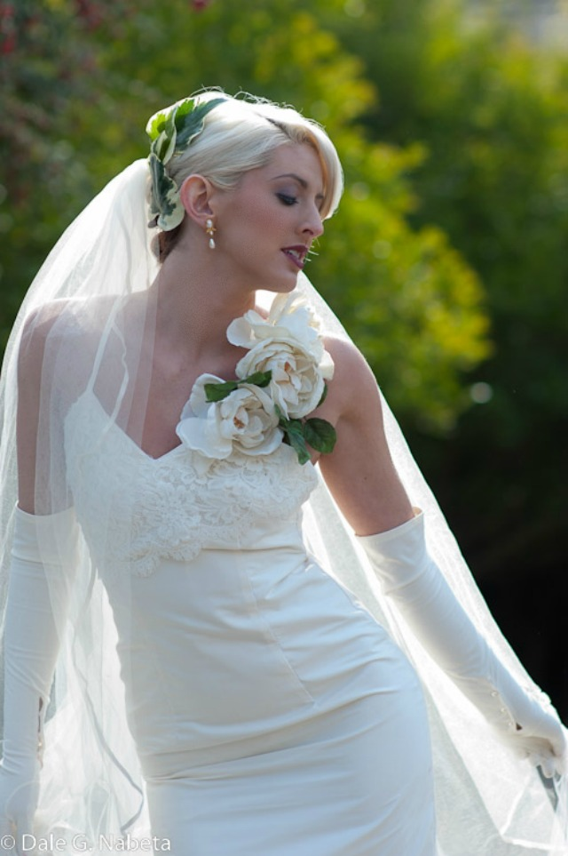 BRIDE CHIC: THE FINE ART OF WEARING A LONG VEIL ON YOUR WEDDING DAY