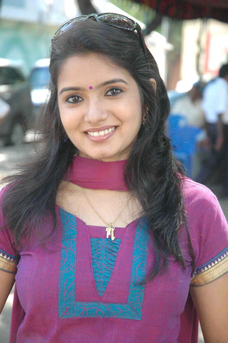 Srithika Hot photos Tamil Serial Actress stills - Tolly ...