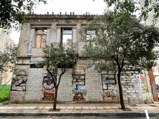 """Αθήνα: 63 κτήρια """"κοσμήματα"""" ανακτούν την παλιά τους αίγλη"""