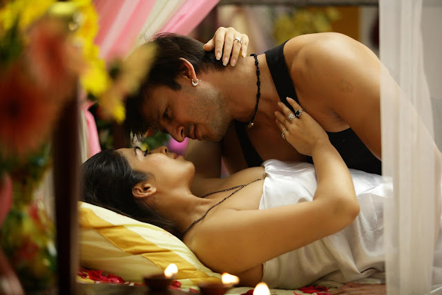 Charmy Kaur Movie Zila Ghaziabad Hot With Actor Vivek Oberoi