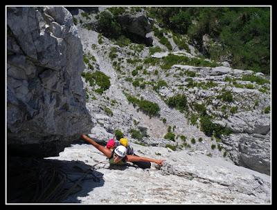 Escalando Esminu en Zuriza