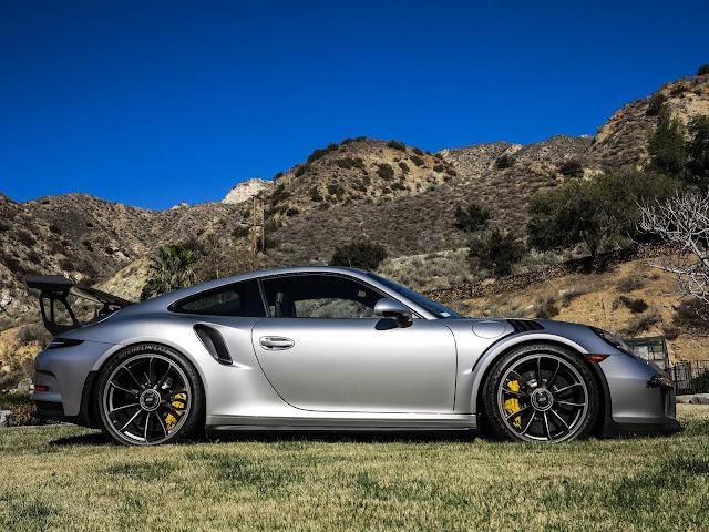 Porsche 911 GT3 RS - Max Vertappen