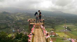 tempat-wisata-di-purbalingga-Gardu-Pandang-Puncak-Telkom