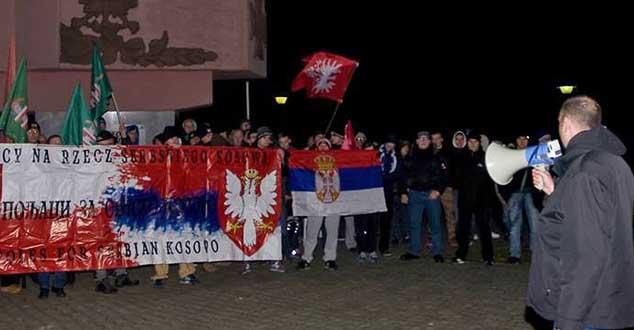 Редован протест и подршка Пољака Косову и Метохији! (ФОТО)