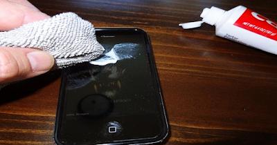 Cara Android, cara dan trik, Cara Sederhana Menghilangkan Kotoran dan Baret pada Layar Smartphone,