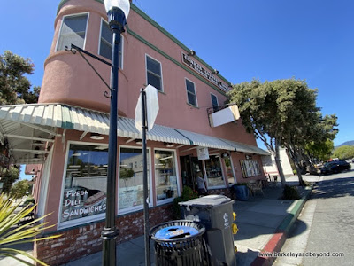 exterior of Cunha's Country Store In Half Moon Bay, California