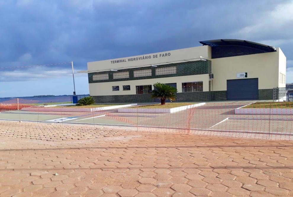 Prefeitura anuncia bingo de R$ 5 mil na inauguração de terminal com presença de Helder