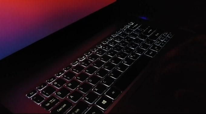 Backlit of Acer Aspire 5 A514-52G keyboard.