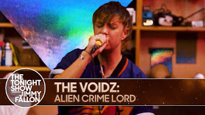 "Julian Casablancas' The Voidz Unleash New Tune ""Alien Crime Lord"" On The Tonight Show Starring Jimmy Fallon!"