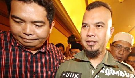 """Jika Dhani Jadi Gubernur, Netizen Ini Siap Potong """"Titit""""nya!"""
