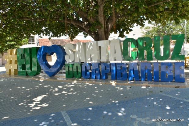 Vândalos danificam praças recém inauguradas na Avenida Padre Zuzinha, em Santa Cruz do Capibaribe