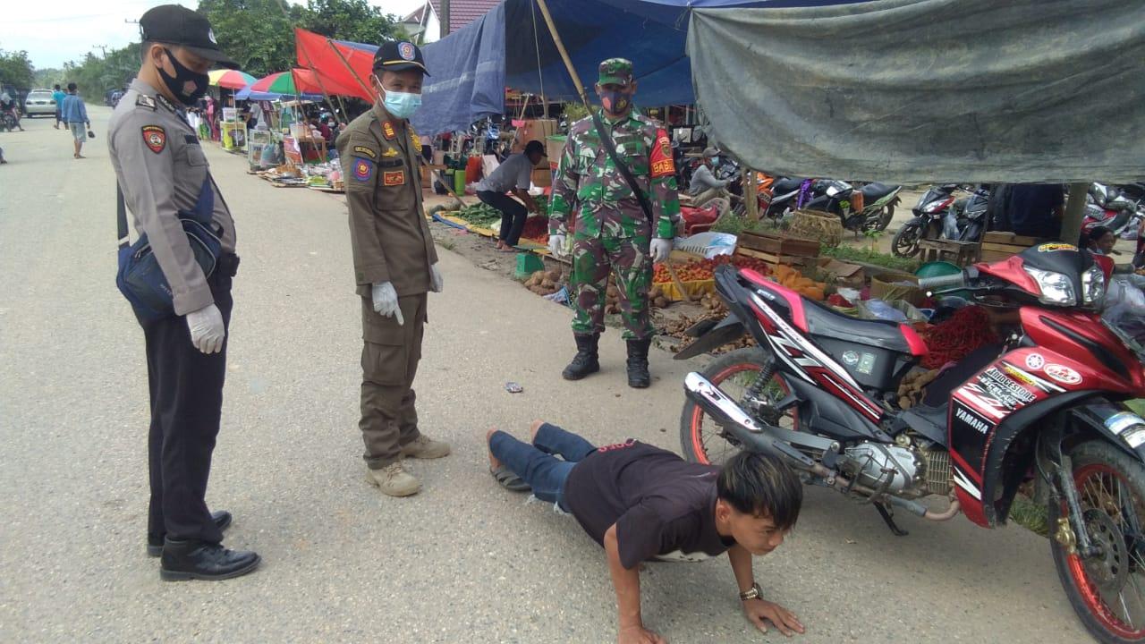 Operasi Yustisi di Pasar Menhul, Puluhan Pengunjung Terkena Sanksi Sosial